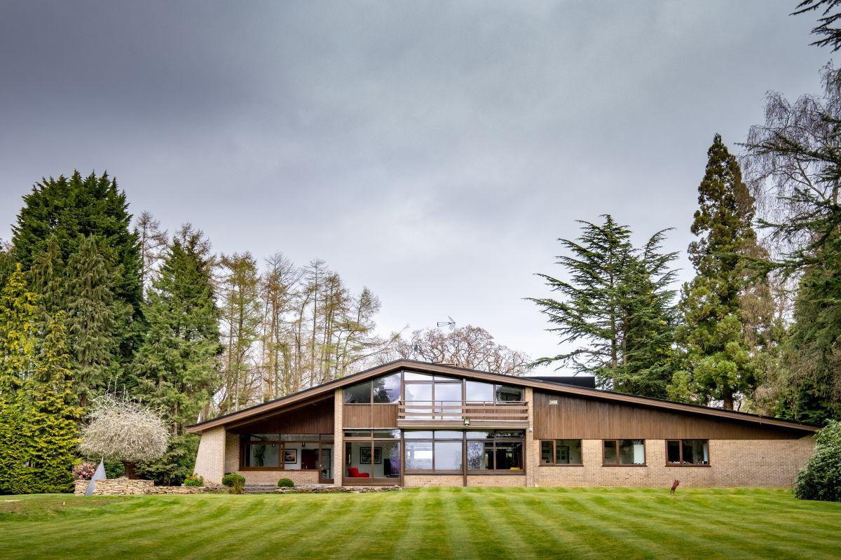 Madin Mansion for £1.5mil